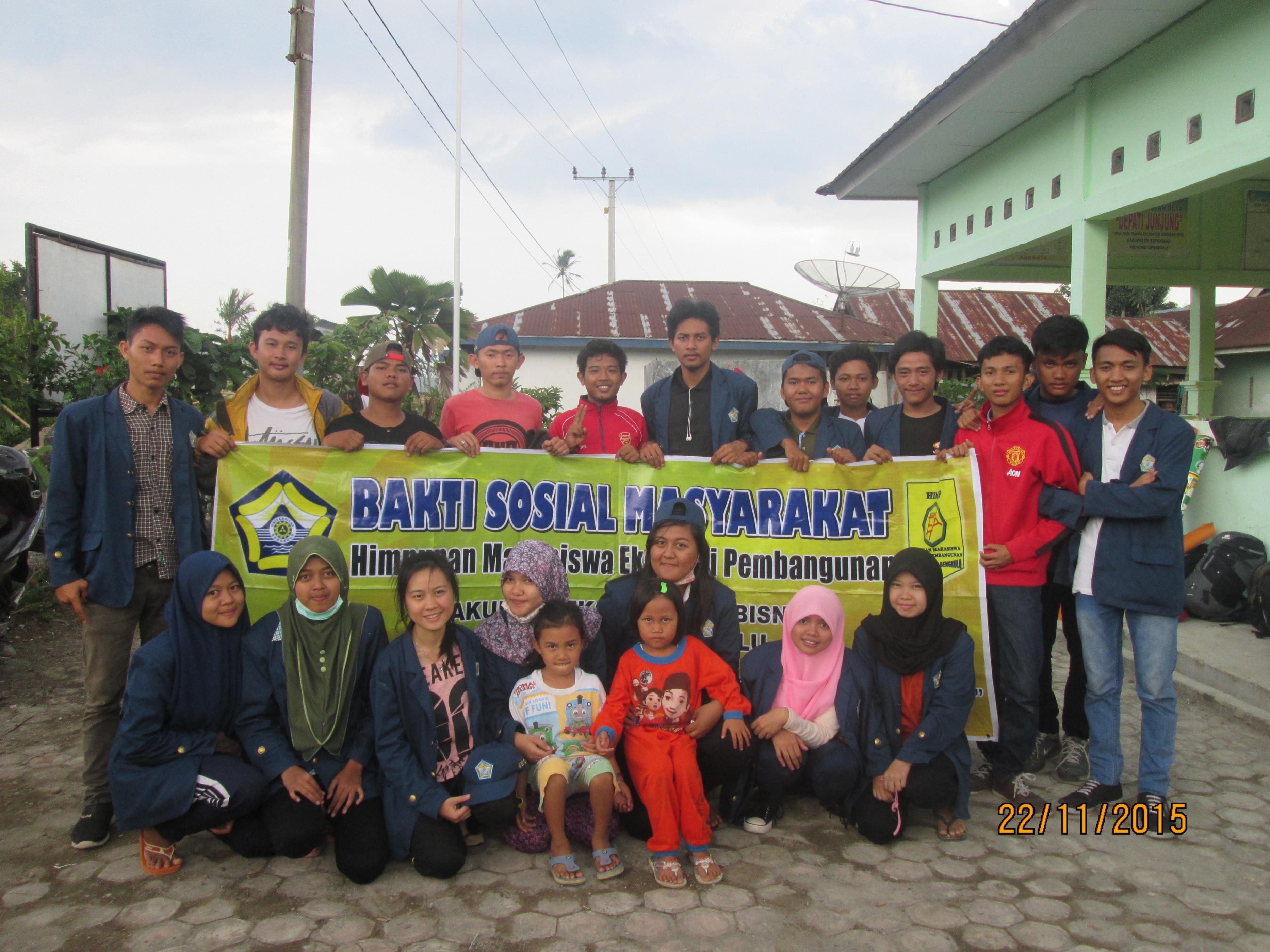 Bakti Sosial Mahasiswa (BSM) oleh Himpunan Mahasiswa Ekonomi Pembangunan